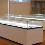 showcase glass